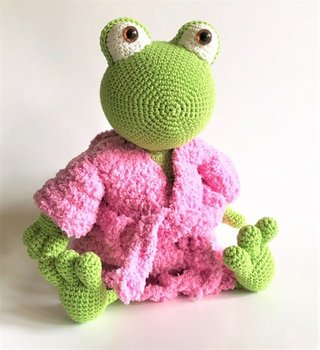 crochet toys  amigurumi  frog  model number 0922