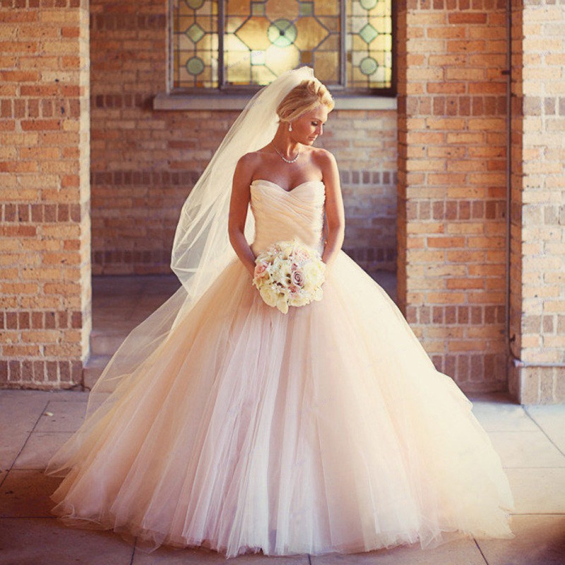 cbecc3d27f5 2016 Sexy Ball Gowns Peach Wedding Dress High Quality Luxury Sweetheart Bridal  Gown Puffy Wedding Dresses Vestido De Noiva-in Wedding Dresses from Weddings  ...