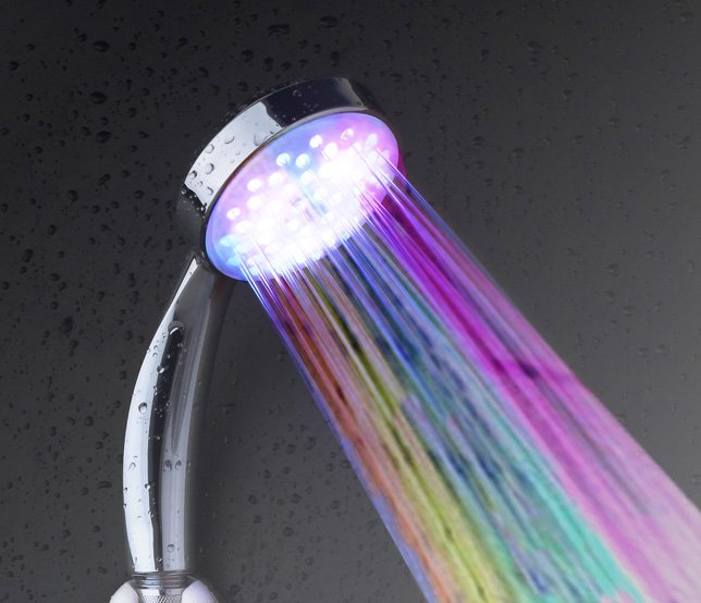 LH002 Multiple Color 7 colors Automatic Jump Changing Water Flow Shower head Bath LED Handle Free shipping