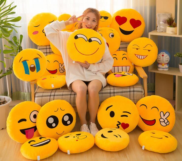 50 stks/partij emoji kussen kussen decoratie decoratieve kussens emoticons kussens glimlach emoji pad party gunsten-in Feest bedankjes van Huis & Tuin op  Groep 3