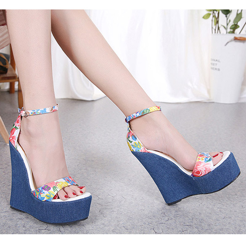 European American Fashion Show Sandals 2018 Summer New Fish Mouth Denim Color Wedge With Ultra High Heels Open Toe Women Sandals 2016 spring new european and american fashion shoes thick with fish head shoes nightclub new ultra high heels sandals b454