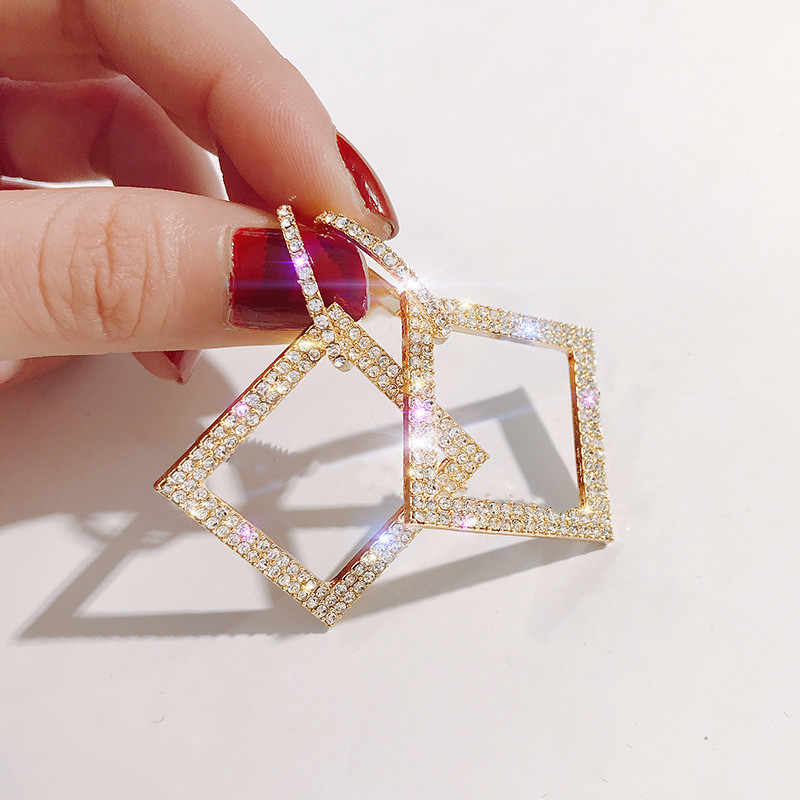 Dominated 2019 fashion delicate square crystal earrings Personality metal geometry Women temperament long Drop earrings
