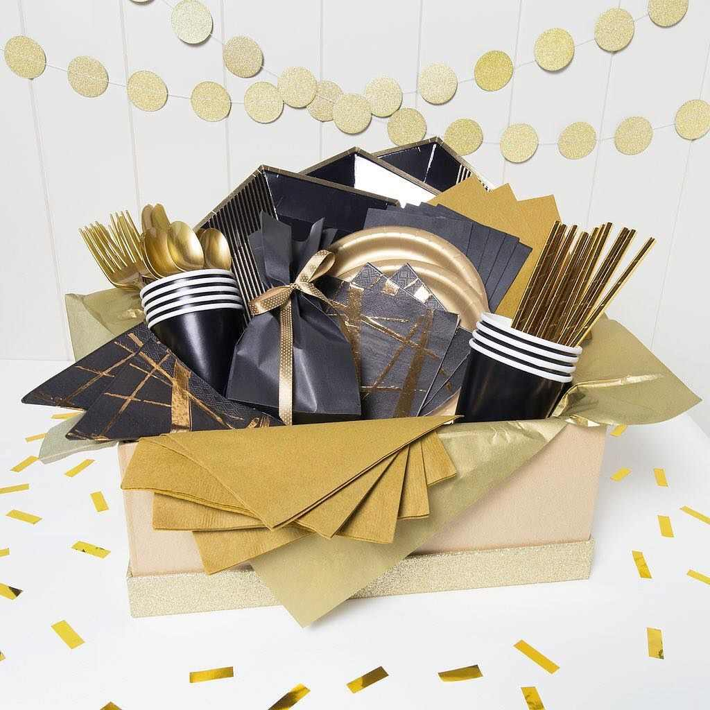 1 Set Black Gold Series Disposable Tableware Birthday Balloons Gilding Paper Straws Cup Table Decoration