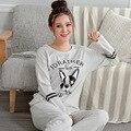 Venta caliente 2017 Resorte de Las Mujeres Pijamas Set Pijama de Algodón Pijamas de la Señora Femenina Lindo Perro ropa de Dormir Homewear Para Mujer Gris M-2XL