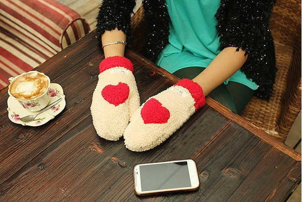 2012 brand new free shipping fashion winter warm sweet heart style gloves hot selling for women lady  as a gift for Christmas
