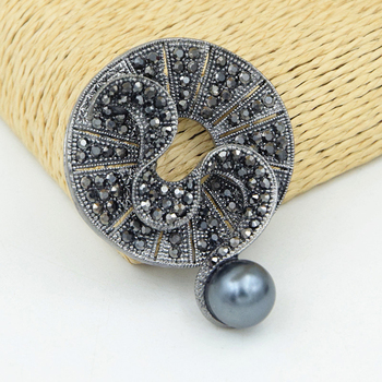 JUJIE Vintage Black Crystal Round Brooches For Women Large Pearl Brooch Pin