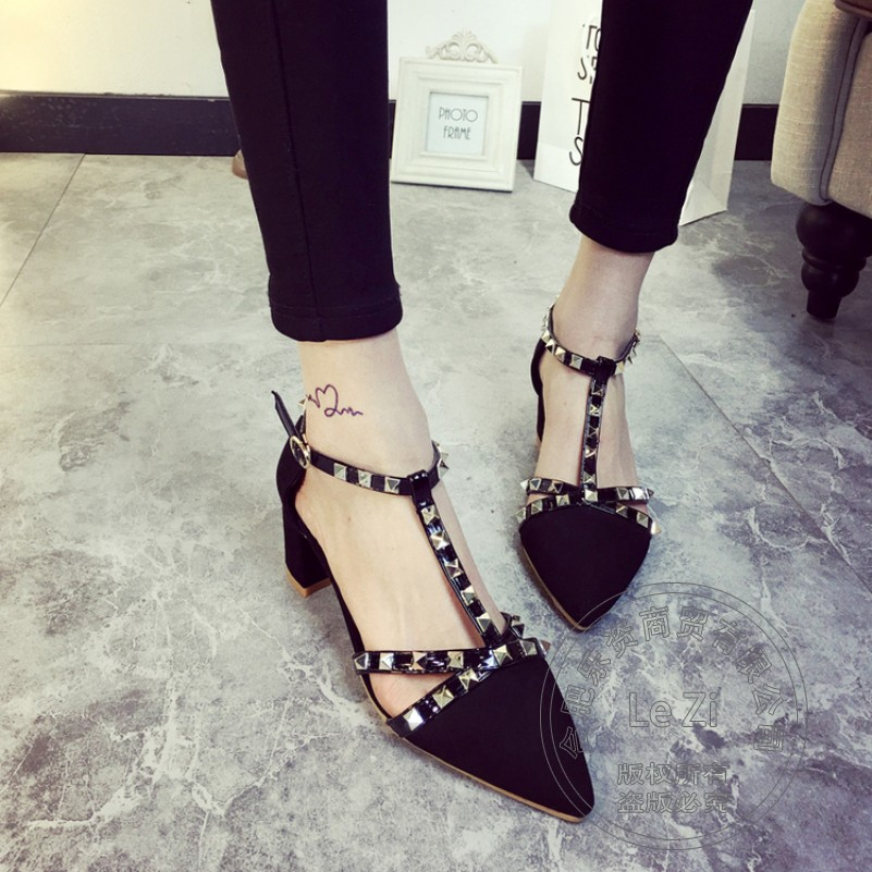 Summer Style Rivets Cheap Heels Pu Square Heel T Strap Buckle Strap Leisure Pointy Leisure Pu