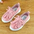 Nuevo calidad lindo cómodo primavera girls shoes princesa de la borla de pisos zapatillas para niños zapatos de bebé de cuero niño niños entrenadores