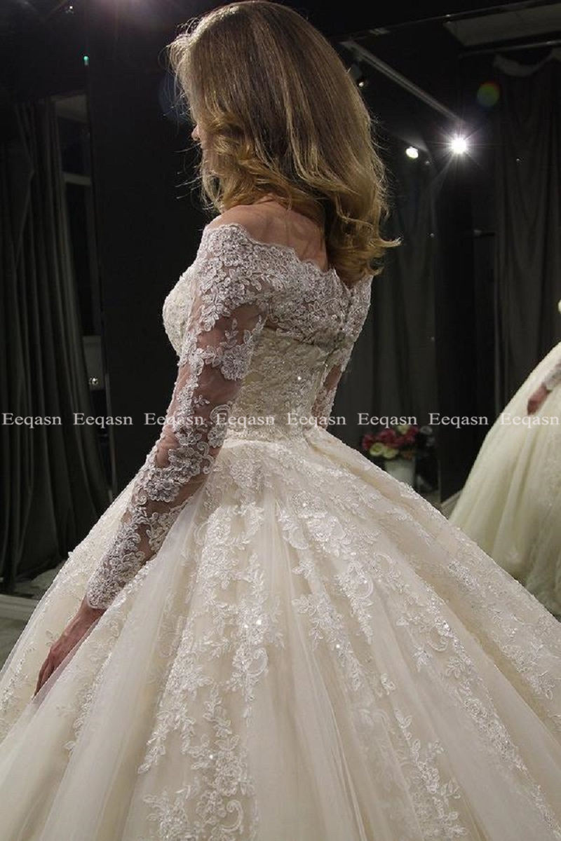 Image 3 - Luxury Ball Gown White Long Sleeves Wedding Dresses 2019 Muslim Lace Dubai Arabic Wedding Gown Bride Dress Robe De Mariee-in Wedding Dresses from Weddings & Events