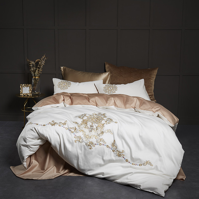 60S Percale egyptian cotton bedding set 4pcs white duvet cover with luxury golden embroidery bed linen