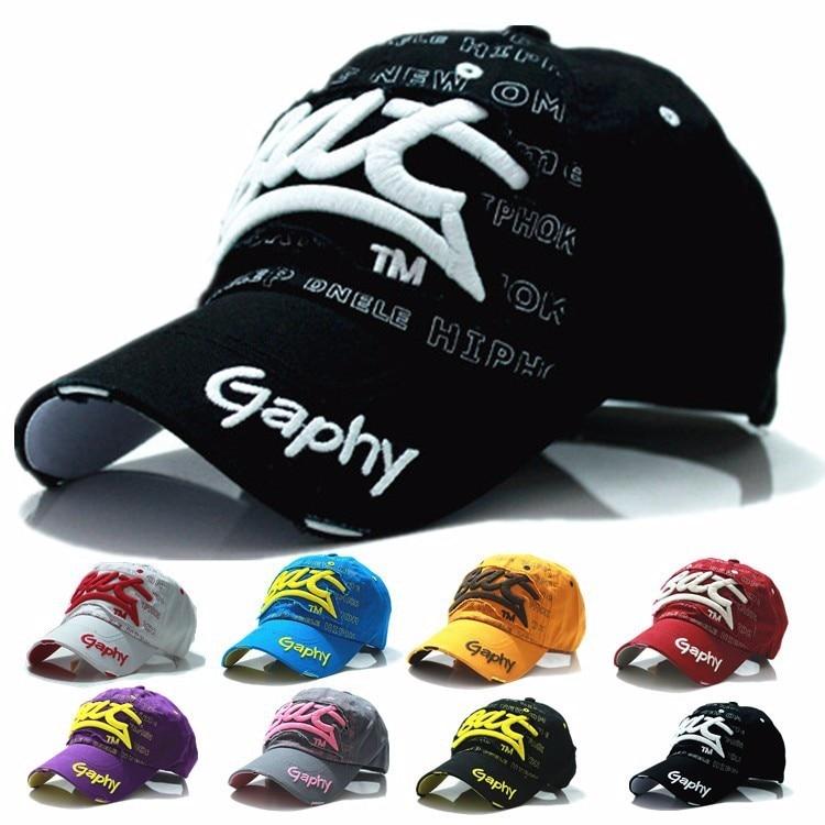 2017 fashion brand luxury cotton women men Baseball Caps black hats Peaked  cap Sun hat cap casual hat women mens black red caps 560a92b42d0