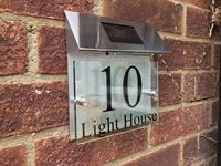 Customize MODERN HOUSE SIGN PLAQUE DOOR NUMBER STREET GLASS ALUMINIUM EFFECT SOLAR LIGHT