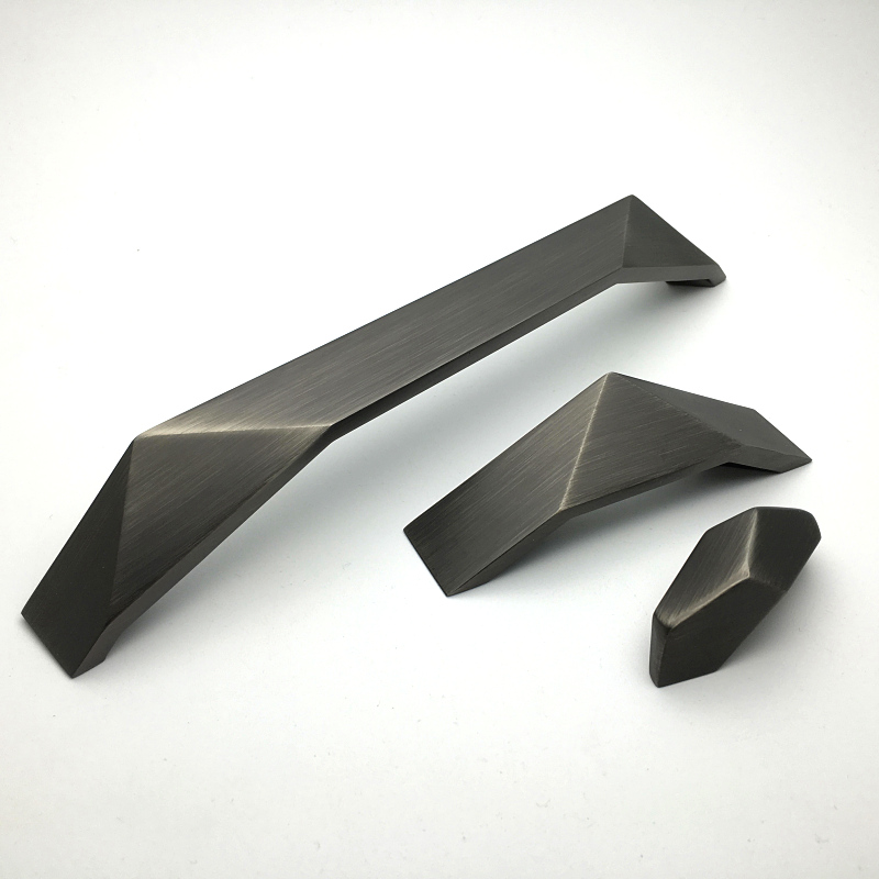 все цены на 2Pcs/Lot Premintehdw New Design Gun Black Brush Zinc Handle Pull Furniture Drawer Closet Cabinet онлайн