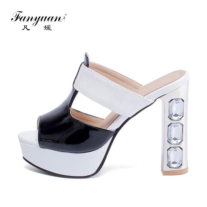 24cfeaf12 Fanyuan Mulheres Mulas Chinelos Sapatos de Salto Alto Mulheres Sapatos de  Verão Dedo Aberto Chinelos de