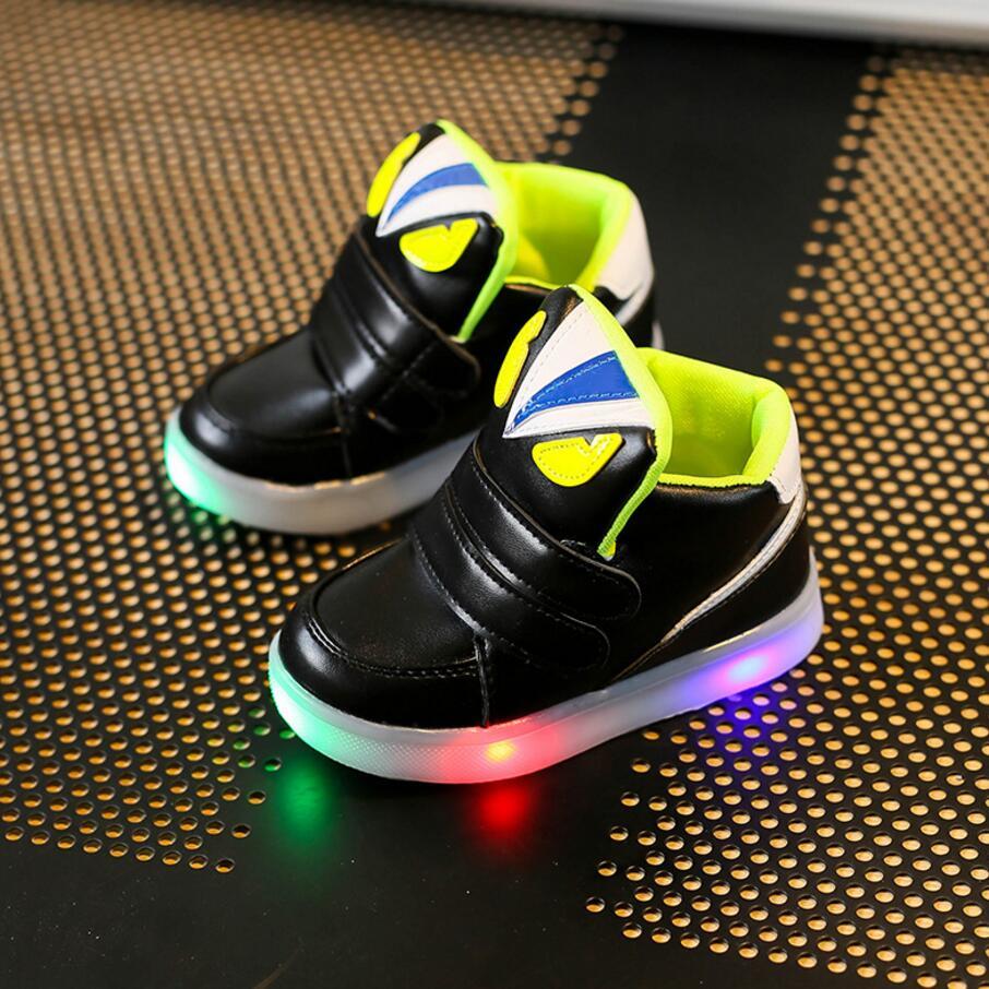 Niños Casual Zapatos Con Luz LED de Primavera Otoño niños de Dibujos Animados Niñas Flash Zapatillas Niños Luminosos Zapatos Deportivos Botas Transpirables