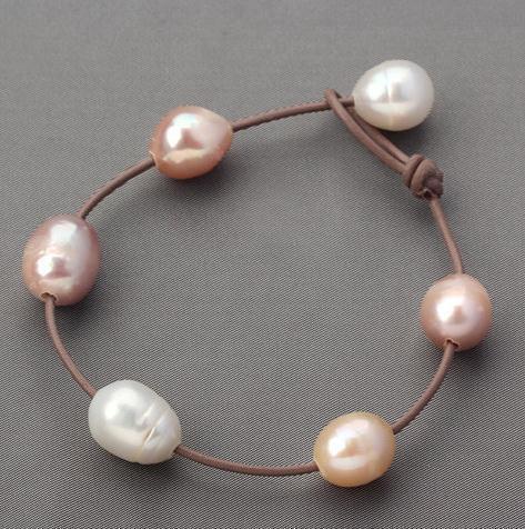 Большая жемчужина кожаный браслет ювелирных изделий, кожа и подлинная браслет перлы пресной воды, белый розовый фиолетовый природный жемчуг ювелирные изделия