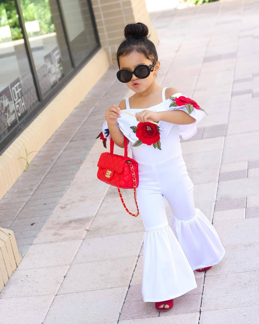Summer INS Fashion Kids Children's Suit White Sling Rose T-shirt + Bell-bottoms Two Piece Set Baby Girls Children's Clothes 2018 checkered baby sling suit summer