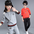 2017 Spring fall fashionable classic children's sports suit boys and girls solid color tagging sweater casual two-piece