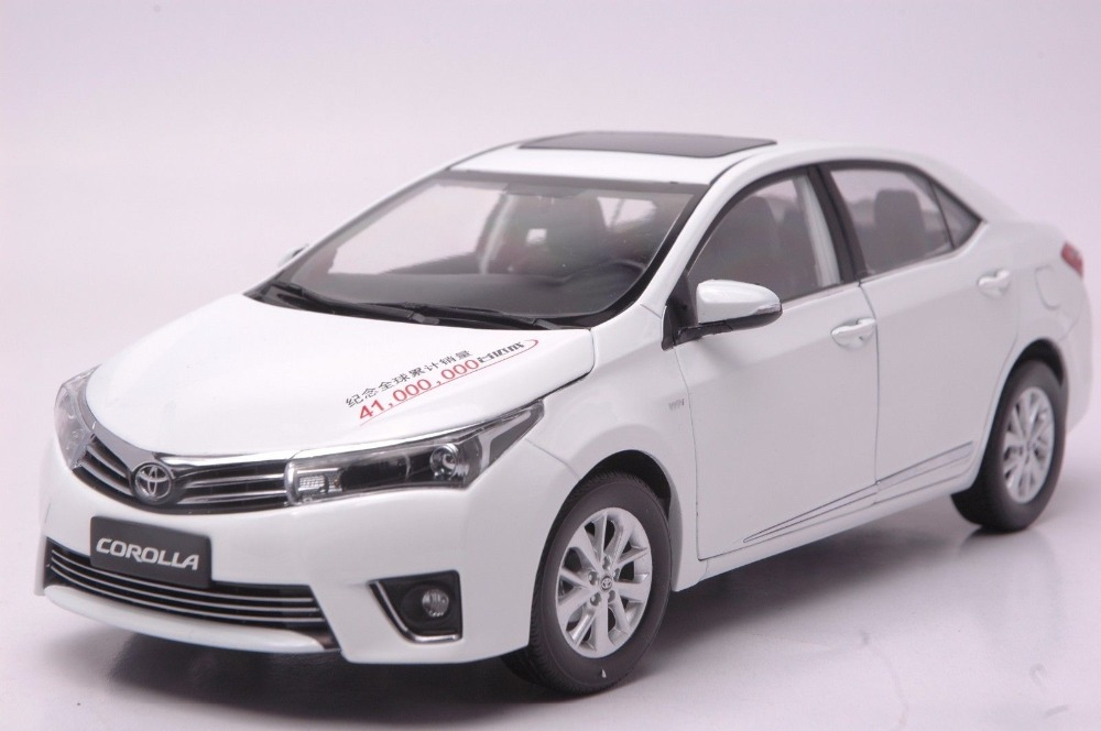 1 18 Diecast Model For Toyota Corolla 2014 White Alloy Toy