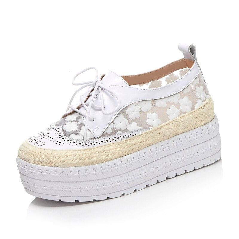Lenkisen streetwearรอบนิ้วเท้าลูกไม้ขึ้นหนังวัวของแข็งสาเหตุรองเท้าส้นmedปักพิมพ์ผู้หญิงหวานรองเท้าวัลคาไนL81-ใน รองเท้ายางวัลคาไนซ์สำหรับสตรี จาก รองเท้า บน   3