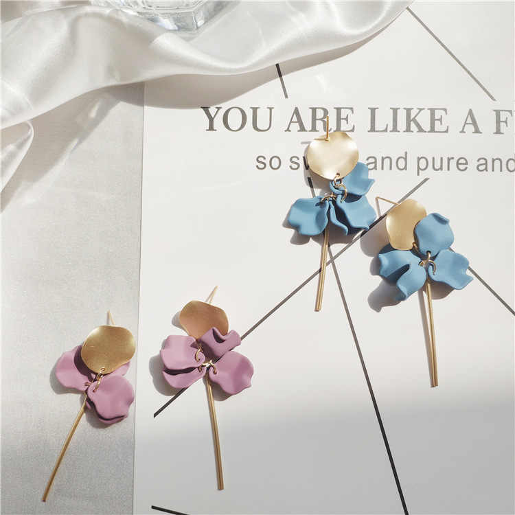 Modern Women's Earrings 2019 Fashion Flower Petal Long Dangle Earrings For Women Statement Jewelry Accessories boucle d'oreille