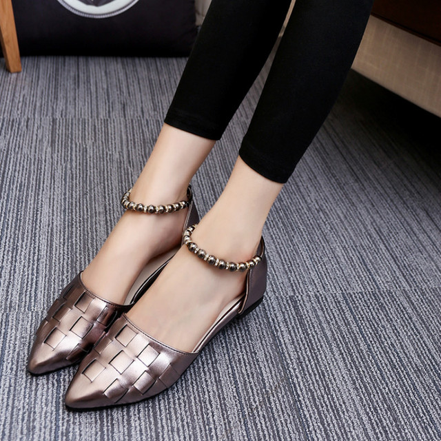 2017 Korean women shoes pointed toe shallow mouth flat heel buckle hollow pearls lady fashion flats women summer sandals 35-39
