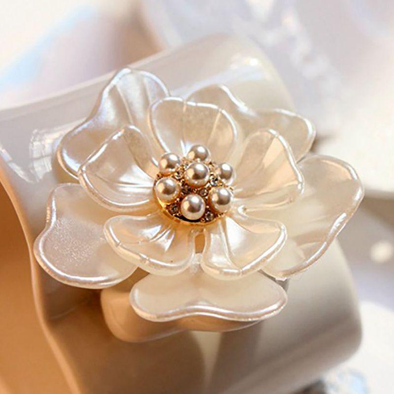 Flower-Brooch Jewelry Pins Camellia Beautiful Girl Women Dressing-Decoration Gift Fashion