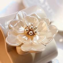 Broche de flor de Camelia para mujer, alfileres de planta para mujer, decoración de vestidor, joyería hermosa, regalo moderno para niña