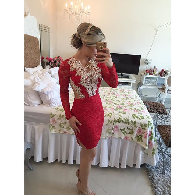 2952d9eb4fb Short Red Long Sleeves Tight Homecoming Dress 2017 New Arrival With Pearls  Lace V Neck Girls 8th Grade Formal Prom Party Dresses
