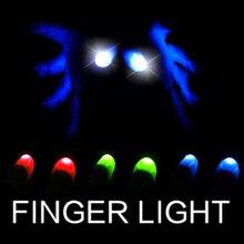 1 пара больших пальцев светодиодный свет Волшебные трюки(красный синий зеленый) Большой размер мягкие подсказки палец с светодиодный Волшебные реквизиты Смешные мигающие пальцы