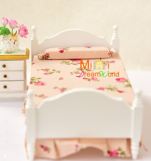 MINI Poppenhuis Mooie slaapkamer enkele bed met mini meubels ...