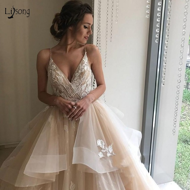 Champagne Floral Lace Wedding Dresses 2018 Sexy Backless Ruffles Puffy Bridal Gowns Beach Wedding Gowns Vestido De Noiva