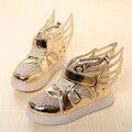 2016 Nova Primavera Crianças sapatos de Marca de Loop Gancho LED Iluminado Crianças Sapatilhas Crianças Levaram Tênis Meninos Meninas Asas Sapatos