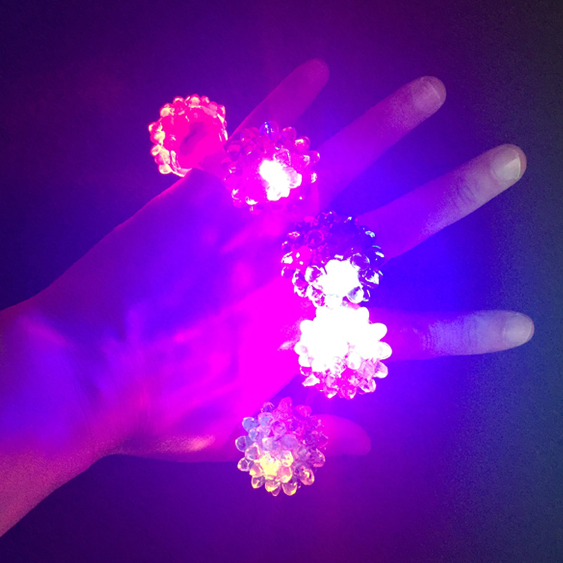 Home & Garden Free Direct Sale 60pcs/lot Christmas Toy Strawberry Shape Led Luminous Finger Lights Flash Ring Party Props Always Buy Good Festive & Party Supplies