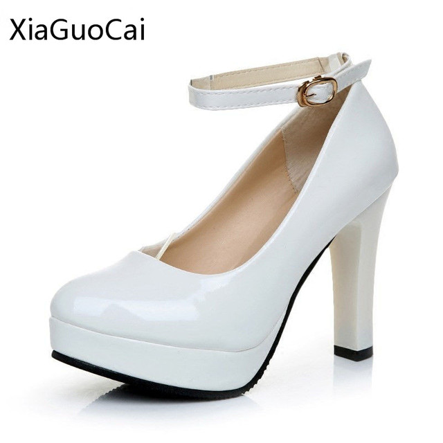 10 Cm Tebal Heels Mewah Putih Wanita Pompa Kulit Asli gesper Strap Hoof  Heels Sepatu Emas 346b7d8651