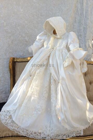 2016 Whole sale Long Sleeves Robe Christening Gown Baby Gown Baptism Dresses Lace Applique Beads Vestido De Noiva With Bonnet hot sale beads