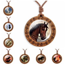 Vintage Horse Wood Necklace 2019 New Arrival Men Women Rope Chain Wooden Pendant Jewelry Gifts for Him Her