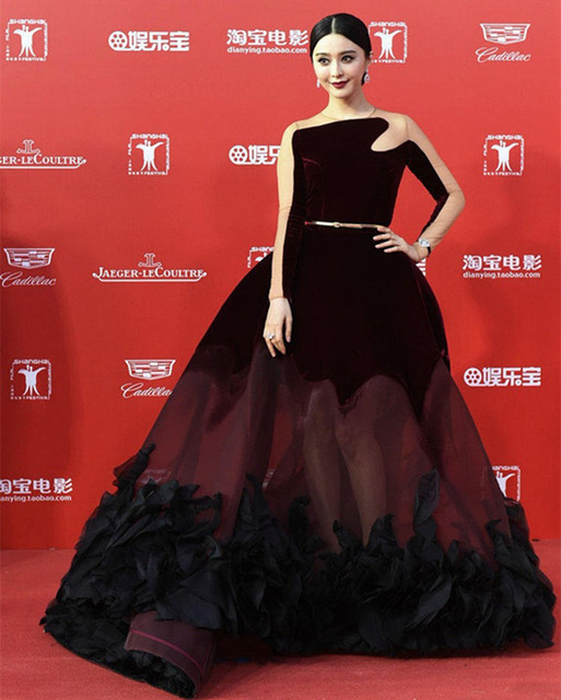 Vestido de Festa Burgundy Sheer See Through Long Sleeves Red Carpet Dresses Big Skirt Evening Dress Sexy Celebrity Dresses 2017