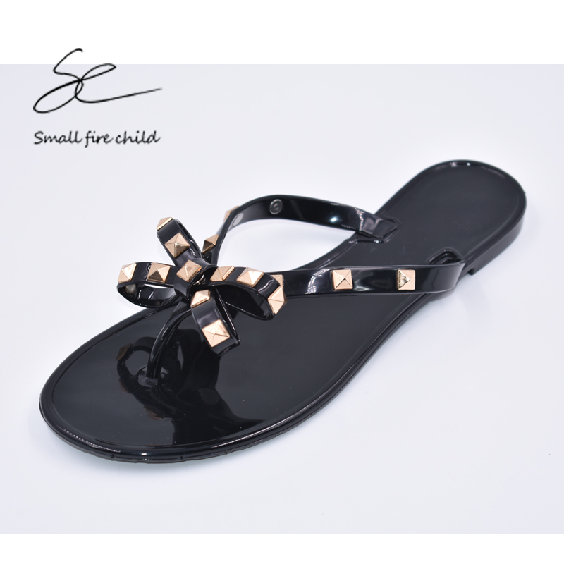 Новое Лето Женщины Вьетнамки Тапочки Сандалии Лук Заклепки Мода Пвх Кристалл Пляжная Обувь