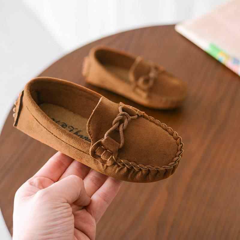 ULKNN yürümeye başlayan bebek ayakkabı çocuk düz çocuk ayakkabı Boys yumuşak kadife rahat kızlar loafer'lar ayakkabı klasik okul bezelye ayakkabı 2018 bahar