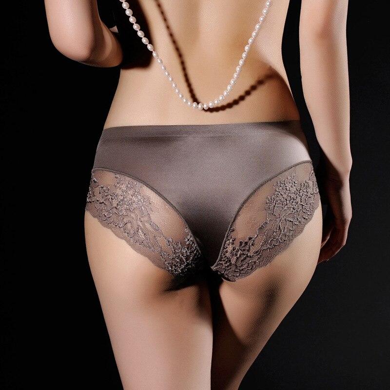 Culotte transparente en dentelle pour le ...
