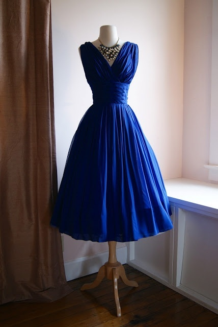 e8031c8e5 Elegante plisados del azul real vestido de cóctel corto ancho de los  plisados banda por encargo