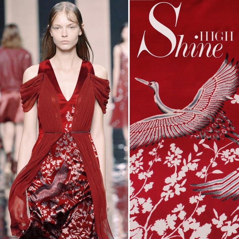 Tissu en soie de mûrier rouge de Style japonais de 1.08X1.18 mètres avec le matériel élastique de Satin d'impression de grue tissu de robe de Cheongsam