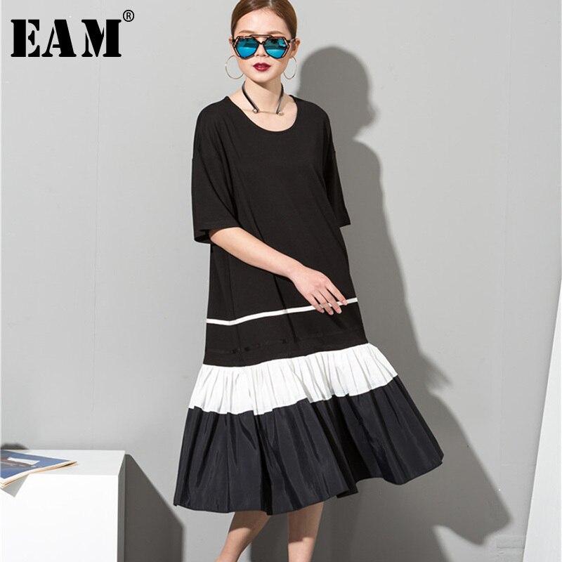 [EAM] 2018 Summer New Fashion Black O-neck Short Sleeve Black Pleated Hem Split Joint Striped Big Size Lady Dress Tide