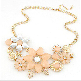2016 New Fashionable Bright Flower Necklace Charm Rhinestone Necklace and Pendant gift Statement Necklaces Jewelry Wholesale