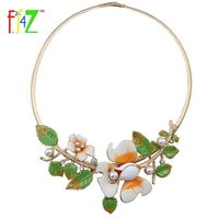 F J4U 2017 Spring Jewelry Fashion Vivid White Oil Flower Green Leaf Trees Collar Necklaces For