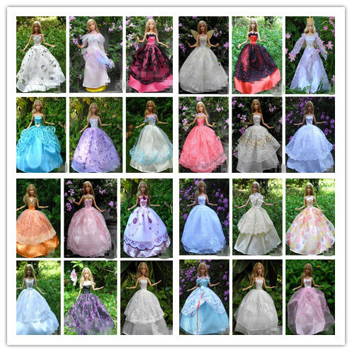 30 Items Dresses Hangers Shoes Handmade Gown Dress Clothing For Barbie Doll