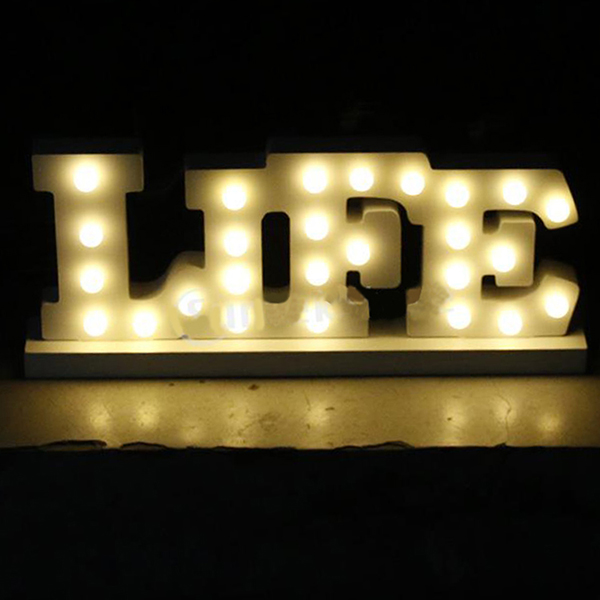 цена  White wooden Family letter light LED Marquee Sign LIGHT UP night light merry christmas Indoor table Deration free shipping  онлайн в 2017 году