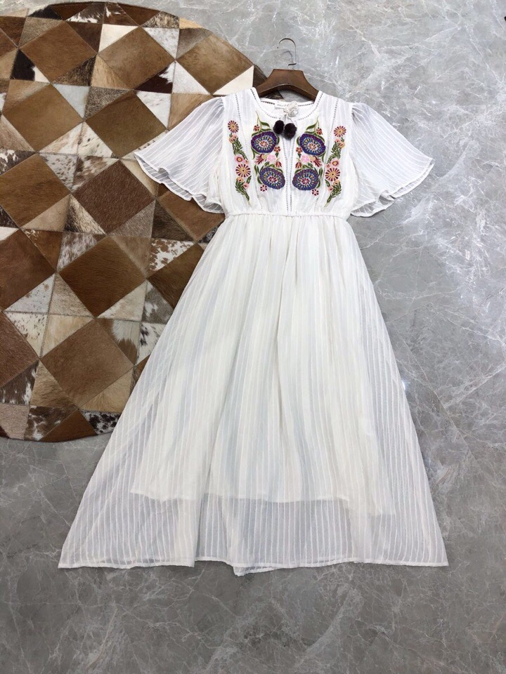 2019 New Round Neck Hand embroidered Ruffle Sleeves Luxury Summer Dresses Women For Dating Free shipping