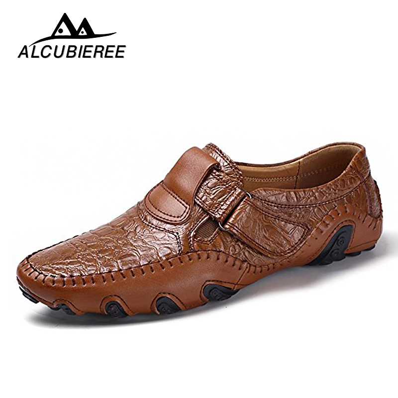 Summer Casual Men Leather Shoes Breathable Loafers Men Flats Slip On Driving Shoes Male New Comfortable Moccasins Split Sneakers